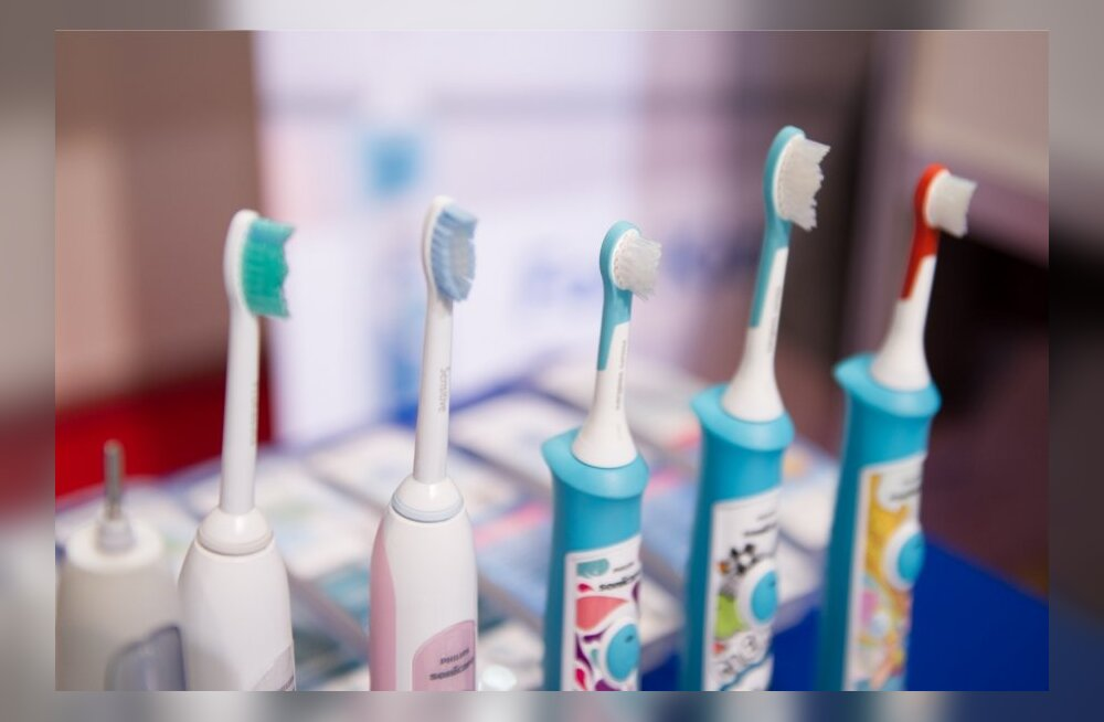 PUUST JA PUNASEKS: Kuidas õigesti hambaid pesta