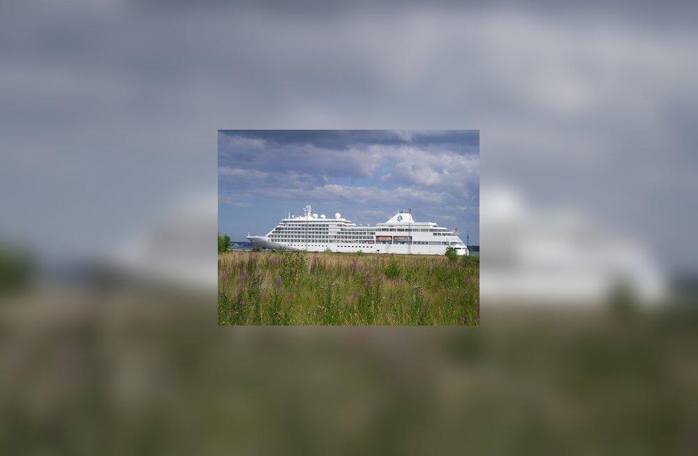Kruiisilaev Tallinna Sadamas