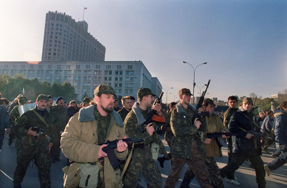 """Участники путча и штурма Белого дома в 1993 году: """"Шансов на мир не было"""""""