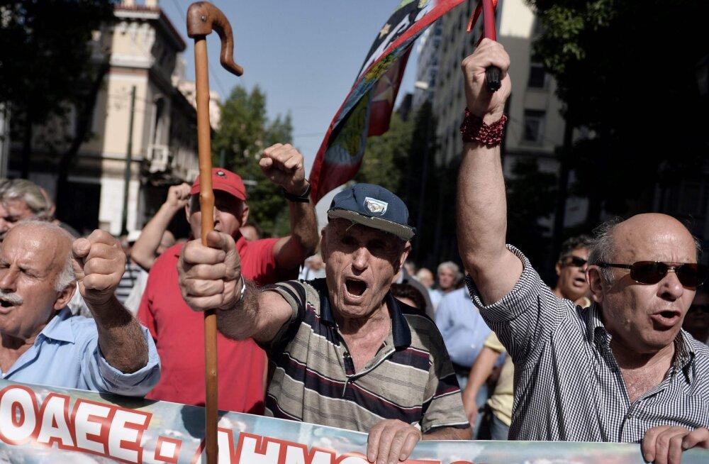 Kreeka majanduskasvu periood lõppes. Majandus on teist kvartalit languses