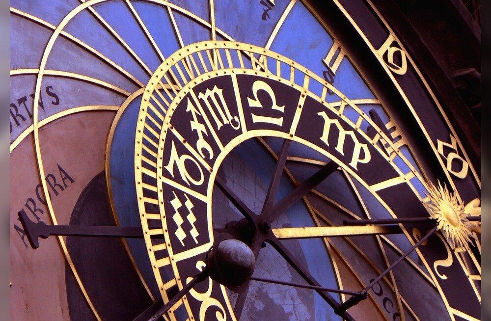 ISE TEHTUD, HÄSTI TEHTUD | Koosta endale ise 2018. aasta horoskoop