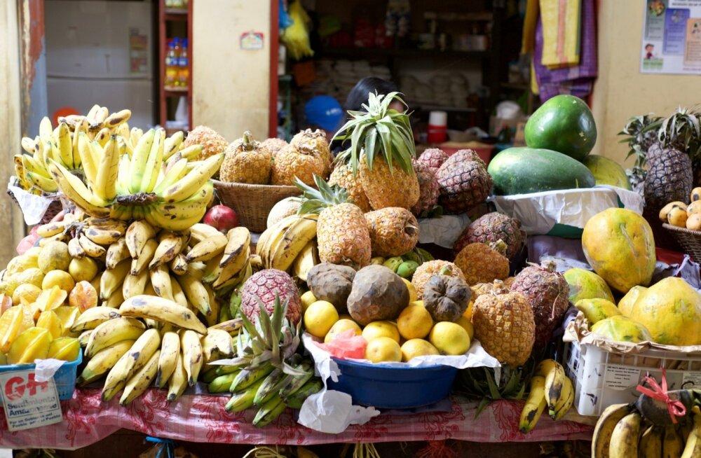 Peruus kasvatatakse 3800 sorti kartulit, sealt on pärit tomat, kõrvits ja kinoa. Turud on sealkandis ootuspäraselt rikkaliku valikuga, loomulikult ei puudu ka puuviljad.