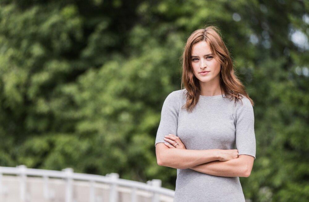 """""""Enamasti tahavad modellid minna edasi õppima moekunsti või disaini. Minu modelliringkonna sõpradest ei arvanud keegi ära, mida ma õpin,"""" ütleb ökoloogiatudeng Carolina Bergstein."""