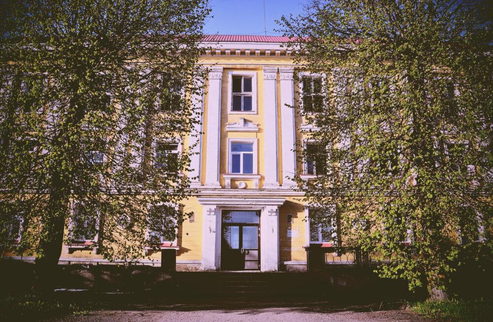 MEIE MAA | Orissaare internaatkooli hoonest on saamas häärber