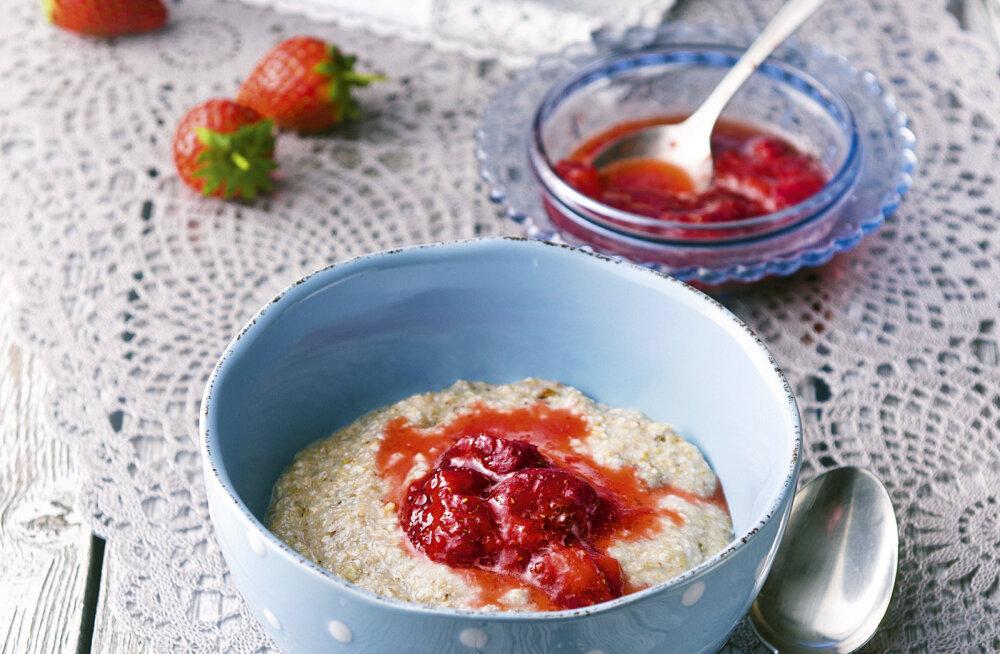 Lia Virkus soovitab suvepuhkuse hommikusöögiks: tatratoorpuder maasikatoormoosiga