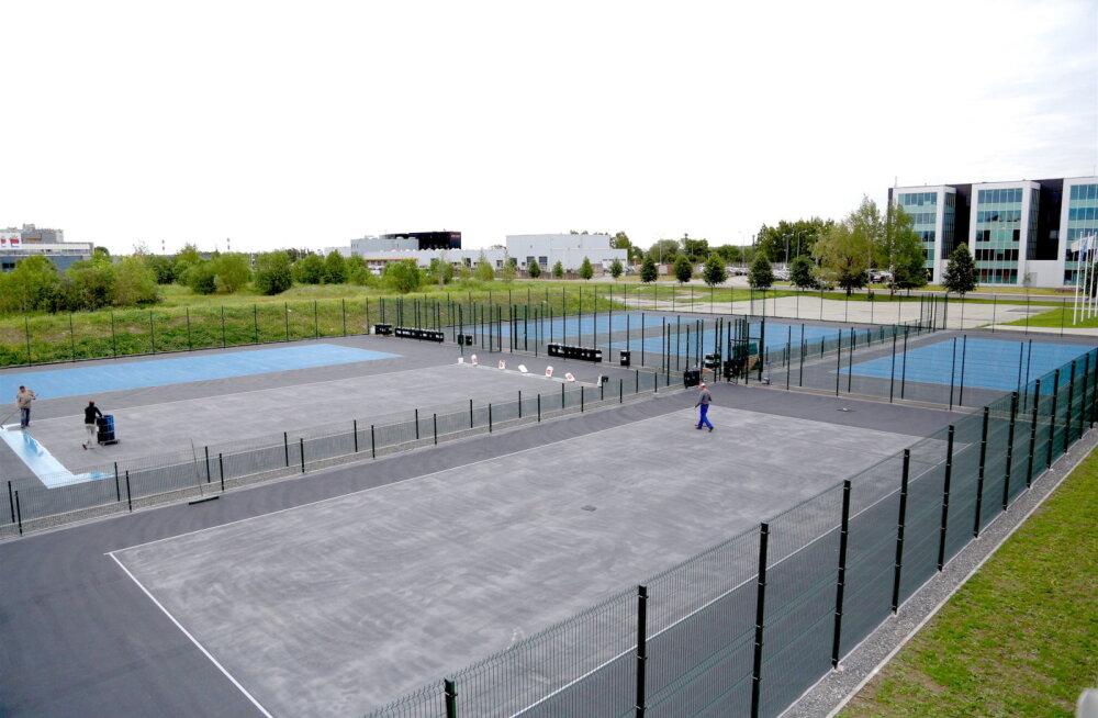 В Ласнамяэ заканчивается строительство открытых теннисных кортов