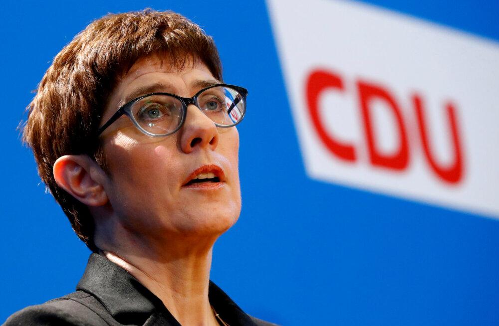 Merkeli favoriit parteijuhi kohale nõuab Türgi käitumise tõttu topeltkodakondsuse keelamist