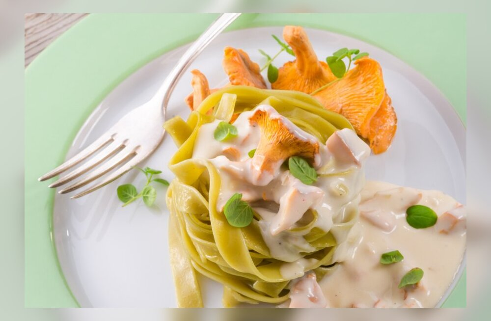 Израильские ученые: на ужин нужно есть спагетти и булочки