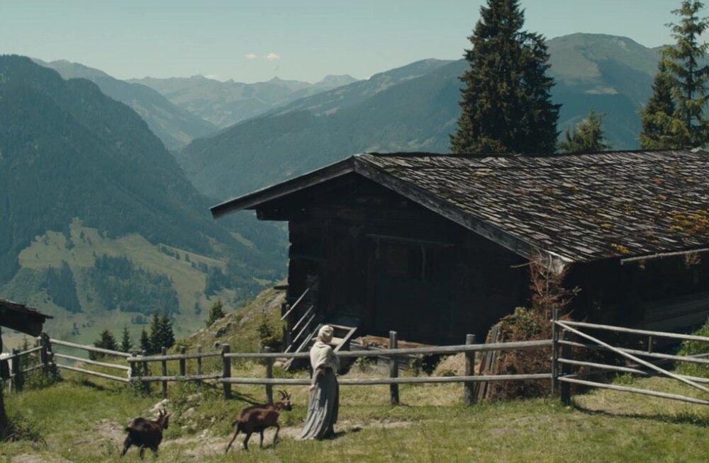 """""""Hagazussa"""" tegevus toimub 15. sajandi Austria mägikülas. Täiuslik aeg ja koht ühele korralikule folkõudukale."""