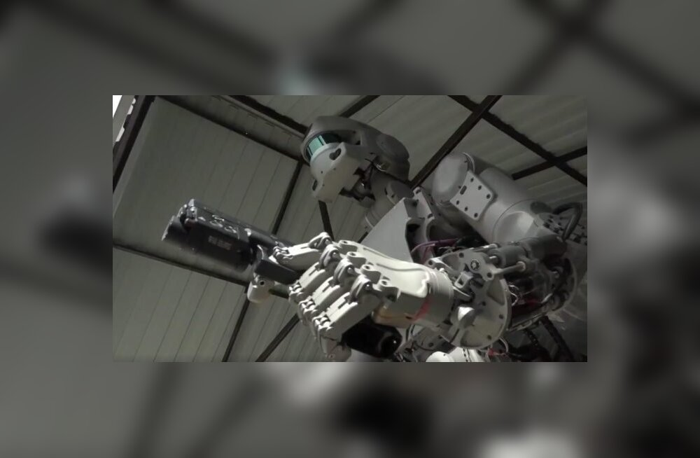 Venelased ei saa ju Ameerikale alla jääda: Nii sündis FEDOR - robot, kes tulistab