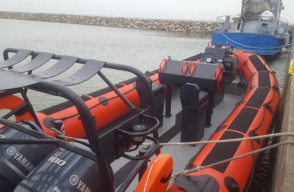Hiiumaa vabatahtlikud merepäästjad said võimsa 78 000 eurose päästepaadi
