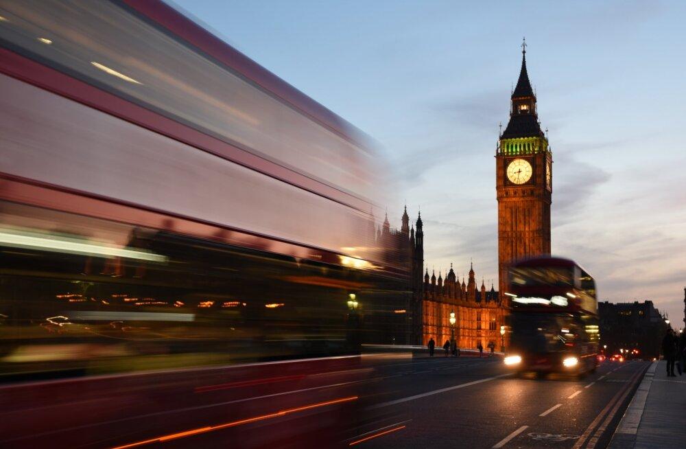 FOTOD: Vaata aerofotosid öisest Londonist