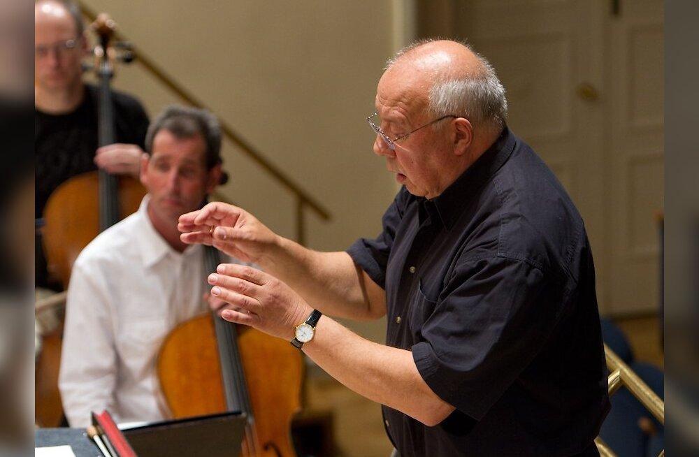 Pärast 30-aastast vaheaega astus Neeme Järvi täna ERSO ette taas peadirigendina – algas orkestri 84. hooaja esimene proovitsükkel.