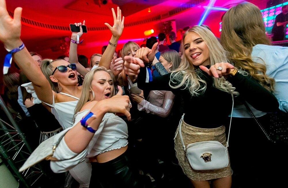 Большая тусовка финских школьников в отеле Viru: это вечеринка, о которой не рассказывают родителям