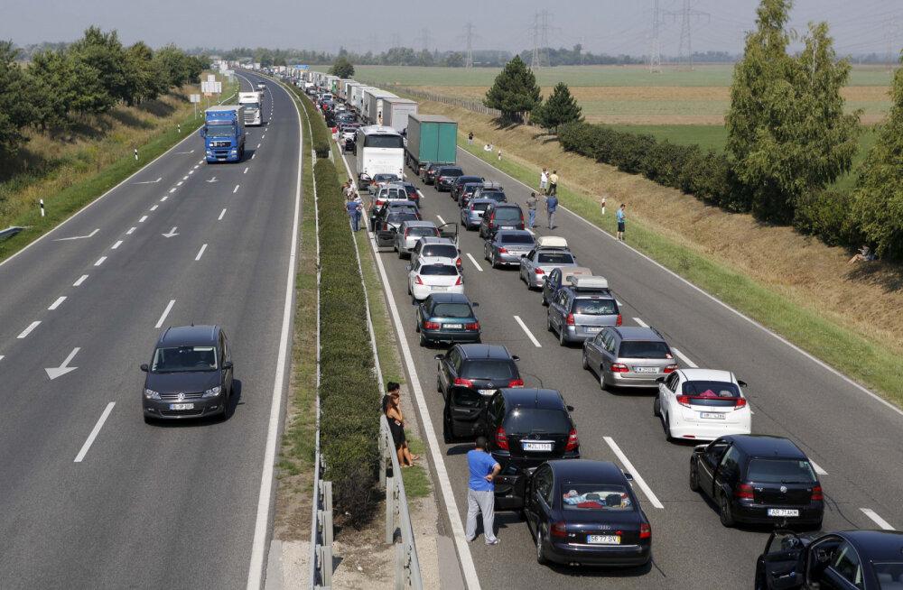 """""""Черные дни"""": С началом августа Европа встанет в километровых пробках"""