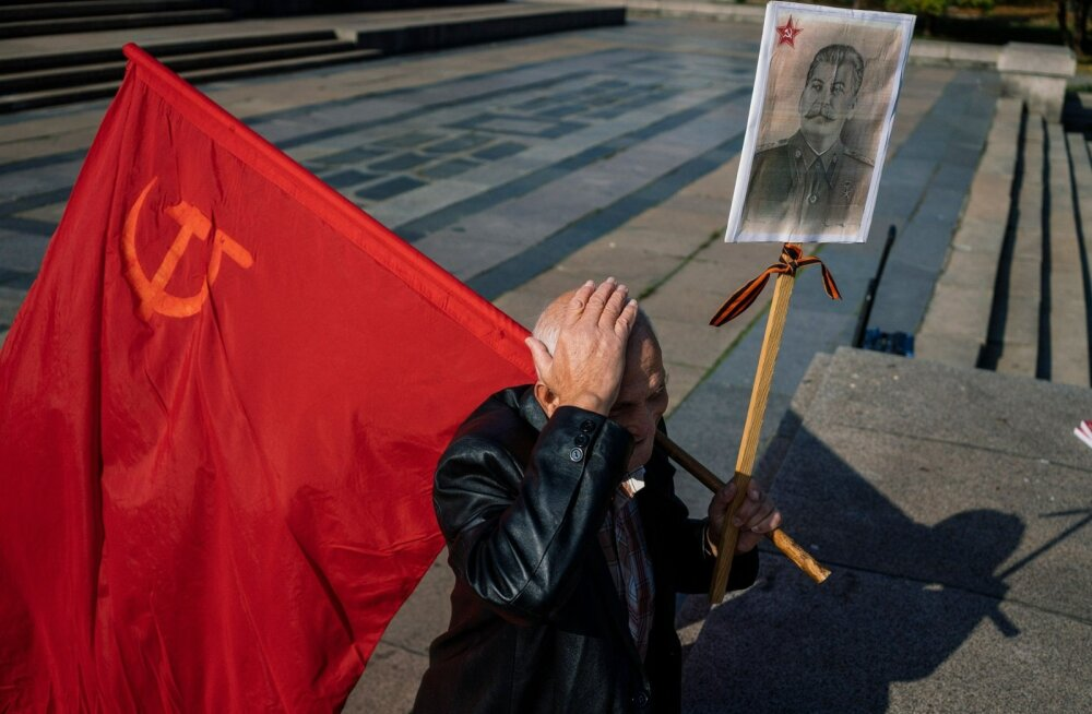 Kommunistlik Bulgaaria lakkas eksisteerimast juba 1989. aastal, kuid kunagisi kollaborante paljastatakse riigis siiani ja kommunistidki pole kadunud. Pilt on tehtud mullu pealinnas Sofias.