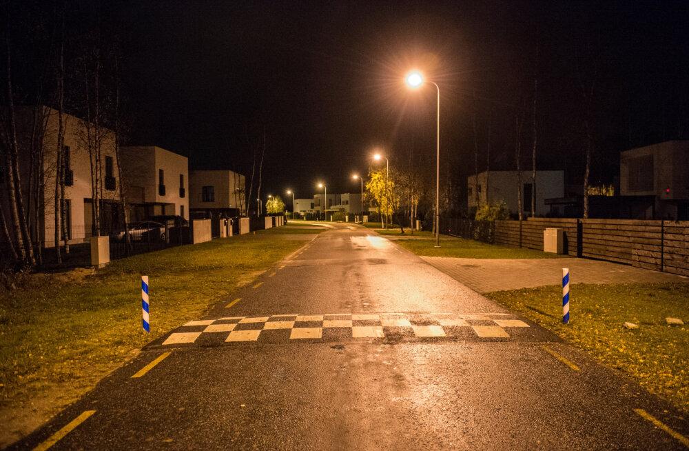 Elamupiirkondadesse paigaldatakse autode kiiruse vähendamiseks tõkked.