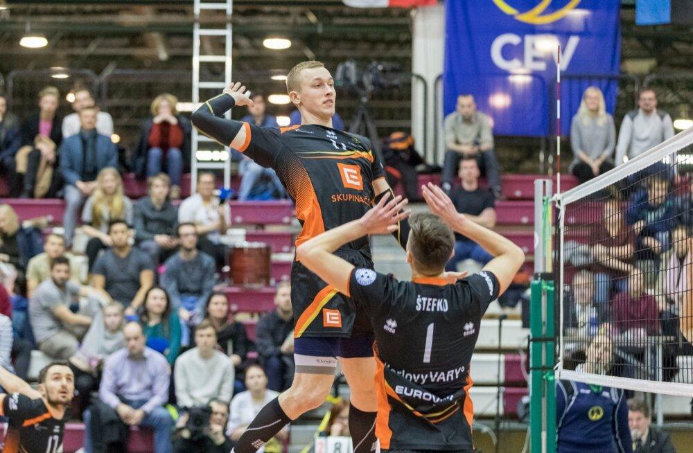 Tallinna Selveri võrkpallimeeskond langes CEV karikasarja 1/32-finaalis konkurentsist, kaotades korduskohtumises Henri Treiali koduklubile Karlovy Vary Karlovarskole koduplatsil tulemusega 1:3.