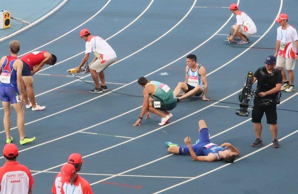 Jagor pärast poolfinaali jooksurajal kosumas