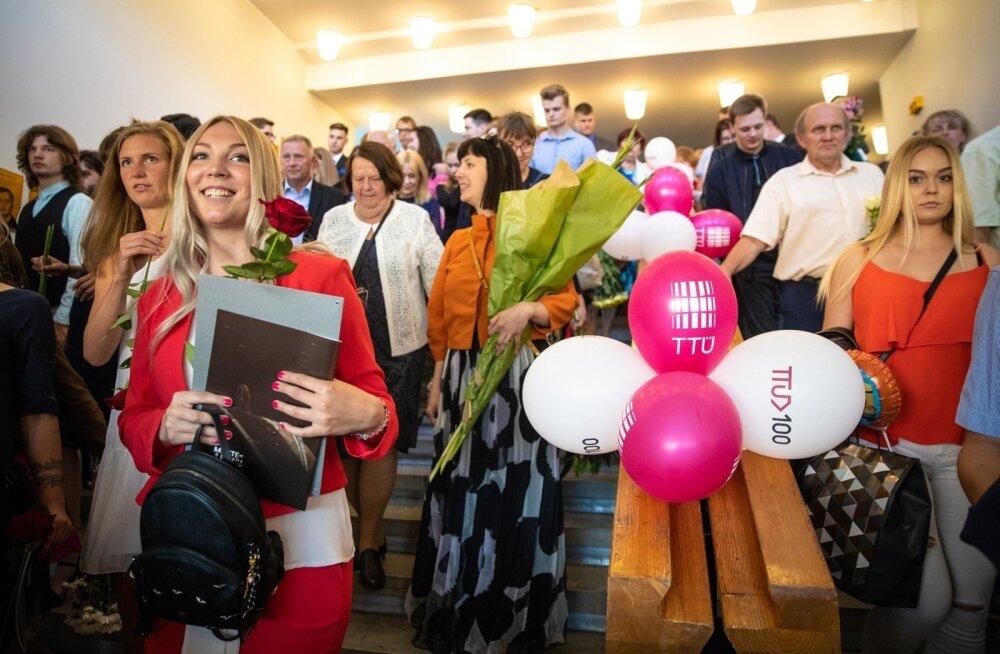 БОЛЬШОЙ СПИСОК! Шпаргалка для абитуриентов: куда пойти учиться и каких специалистов не хватает в Эстонии