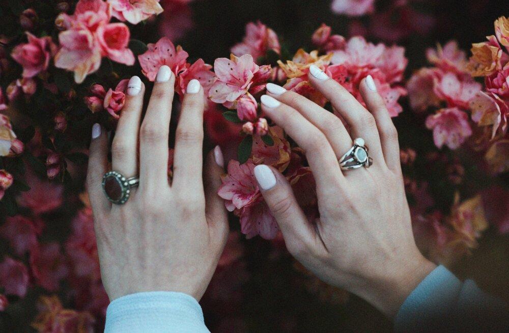 FOTOD | Sihvakad sõrmed või silmapaistvad küüned: leia oma käte jaoks õige maniküür