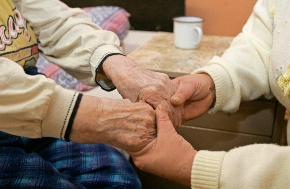 Kuidas makstakse toetust hooldekodu asukatele?