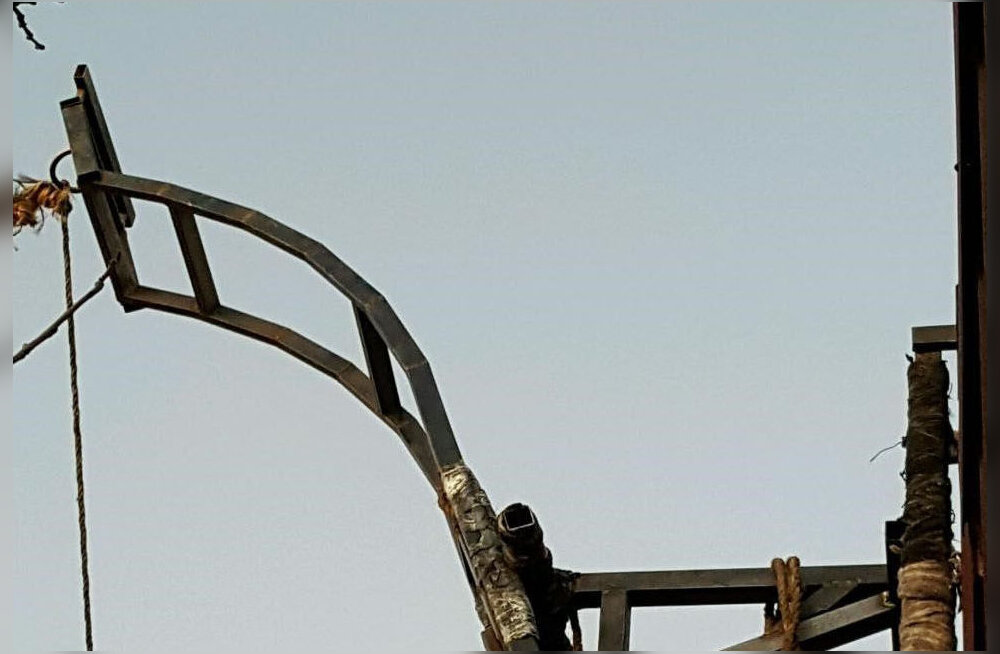 Inspiratsioon keskajast? Kurikaelad pilluvad katapultidega mõnuaineid üle riigipiiri Mehhikost USA-sse