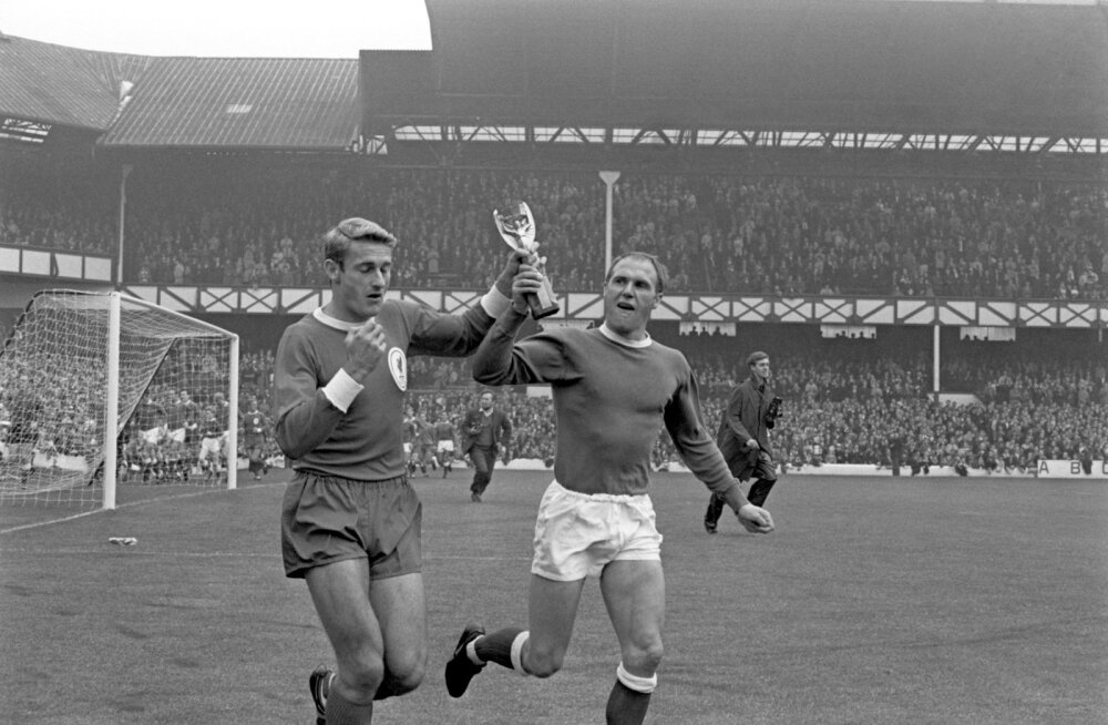 Roger Hunt ja Ray Wilson (paremal)