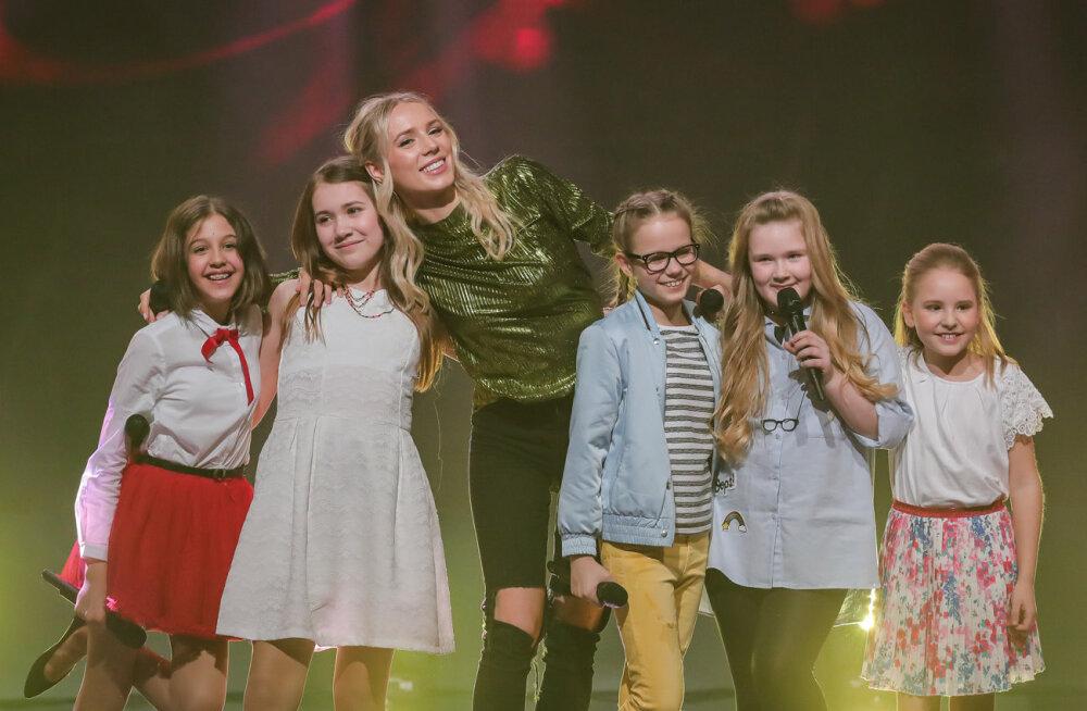 """VIDEO: Talendisaate """"Väikesed hiiglased"""" noorukesed laululinnud said lava jagada Liis Lemsaluga"""