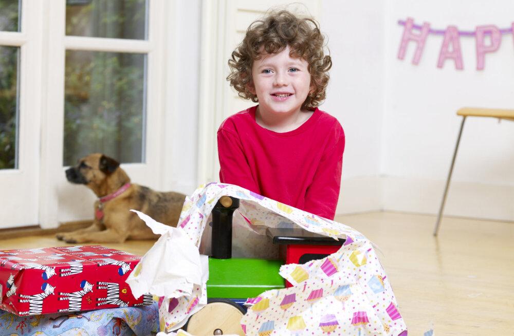 Ребенку не понравился подарок. Что делать родителям?