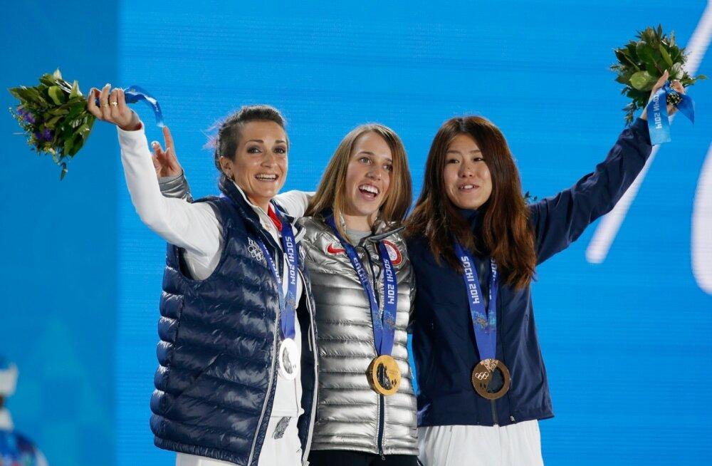 Naiste rennisõidus on viimastel aastatel saanud kõige rohkem poodiumil seista 33-aastane Marie Martinod (vasakult), 23-aastane Maddie Bowman ning 29-aastane Ayana Onozuka.