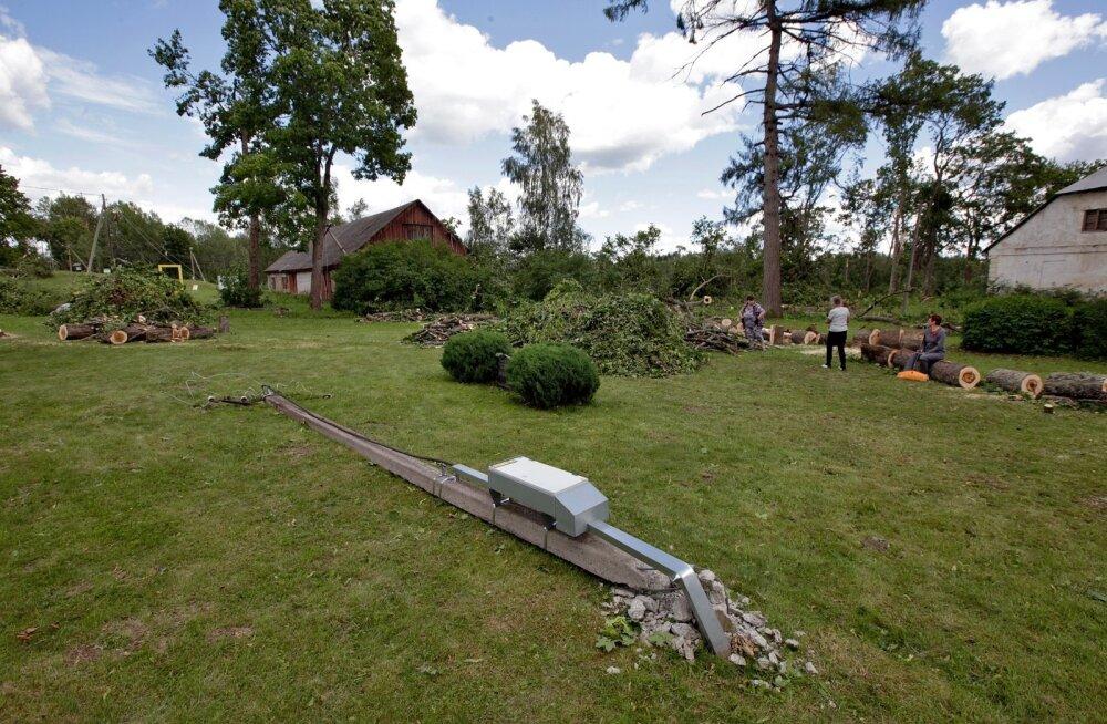 Tänavu suvel räsis torm Karula kandis Lüllemäel kõvasti loodust. Nüüd peljatakse sealmail tselluloositehase tulekut.