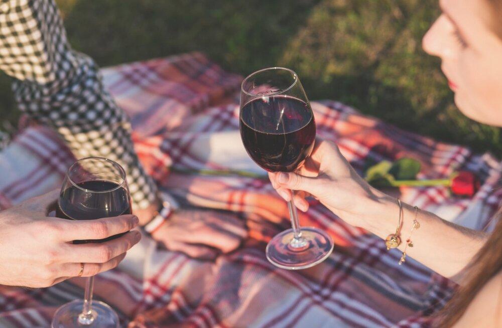 Naise keha reageerib alkoholile teistmoodi kui mehe keha