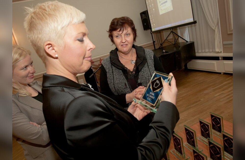 FOTOD: Evelin Ilves tunnustas parimaid koolipuhveteid