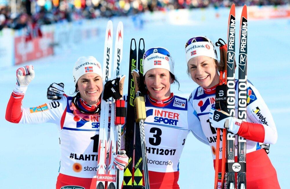 Heidi Weng, Marit Bjorgen ja Astrid  Jacobsen