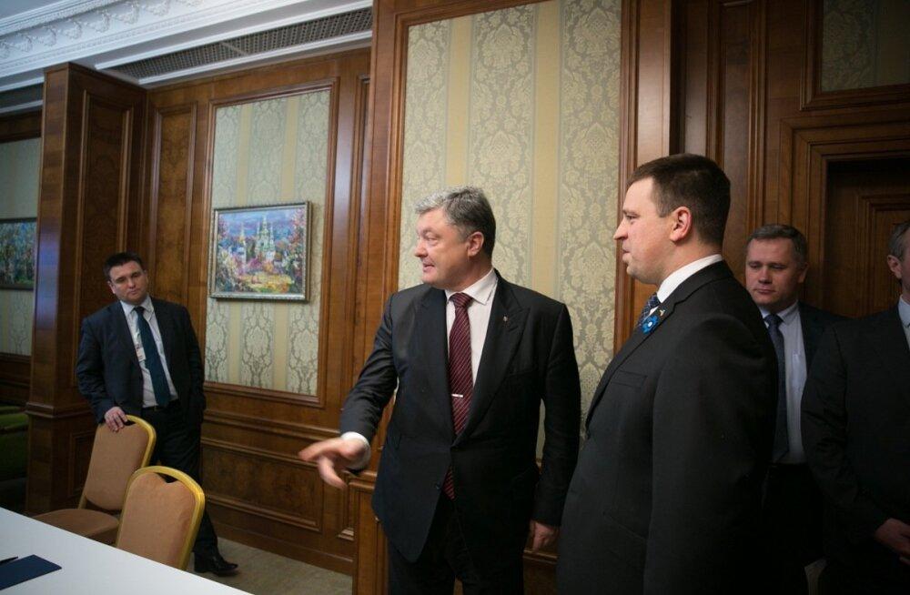 Jüri Ratas kinnitas eile Ukraina välisministrile Pavlo Klimkinile (vasakul) ja president Petro Porošenkole Eesti tugevat toetust.