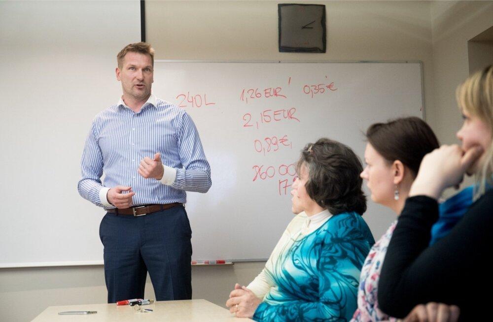 Rain Vääna selgitas eile ka Ragn-Sellsi töötajatele Tallinna linna meediarünnaku tagamaid.