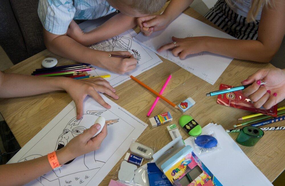 Viltpiiatsid, harilikud pliiatsid, kustukummid, pliiatsiteritajad-test