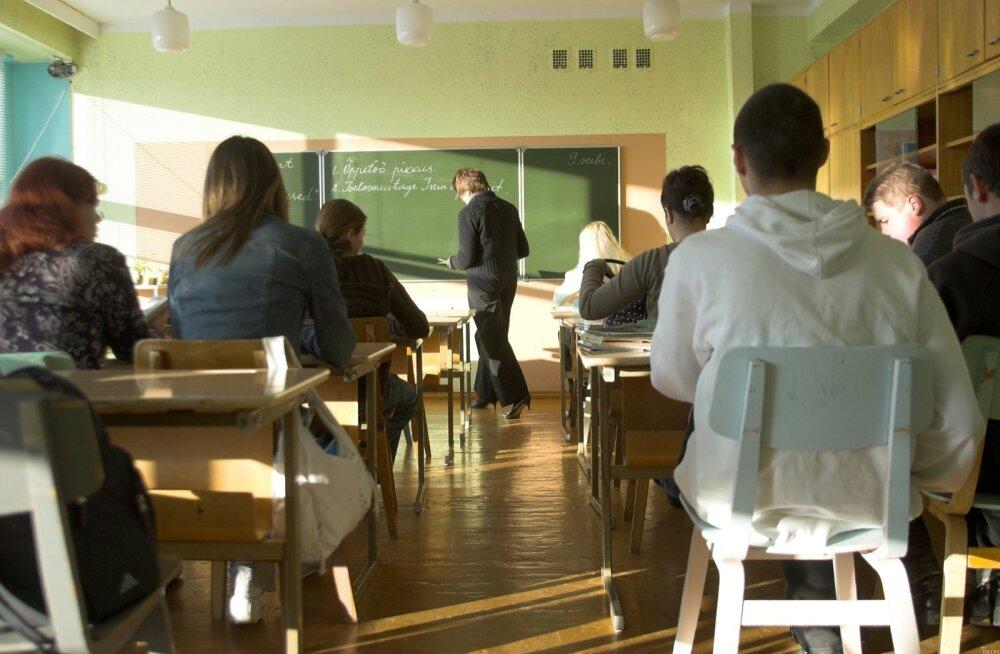 """Saksa meedia: erinevalt Eestist kestab Saksamaa koolides """"kriidiajastu"""""""