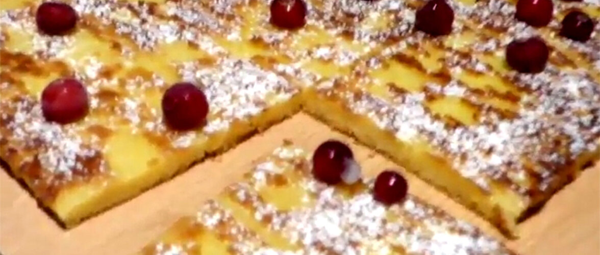 ARVO KOKAKOOL | Marjade ja vahukoorega sidrunikook