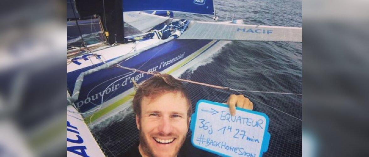 Француз проплыл вокруг света за 42 дня и установил новый мировой рекорд