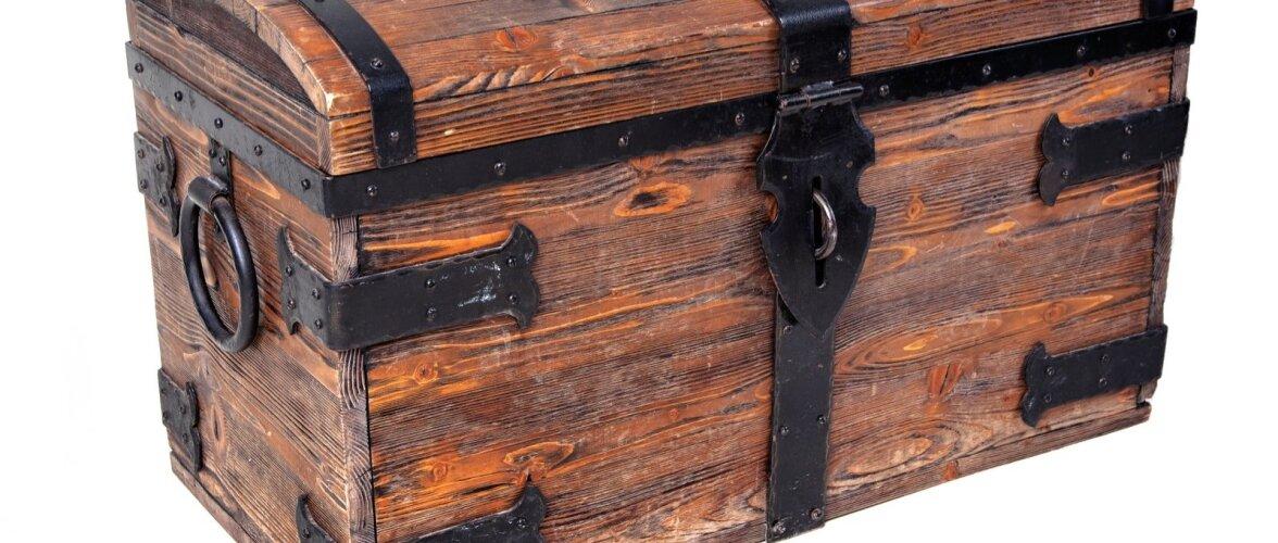Vana eseme puhastamisel alustage lahjemast vahendist ja vajadusel võtke järjest kangemaid.