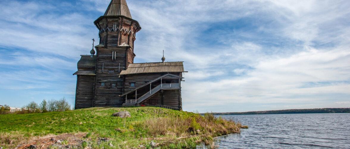 ФОТО и ВИДЕО: В Карелии сгорела уникальная деревянная церковь. Одна из версий — вина туристов