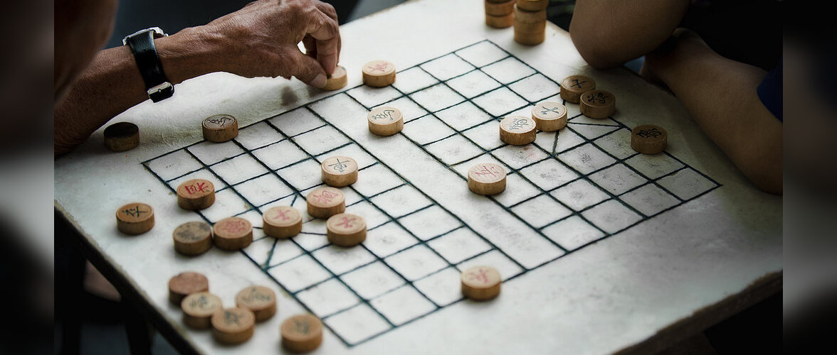 Карты, нарды, два стола: во что играют в разных странах