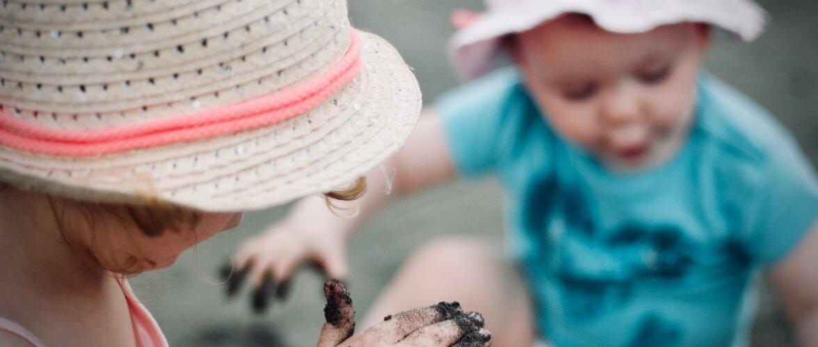 Humoorikas ülevaade sellest, milline näeb tegelikult välja elu kahe väikese lapsega