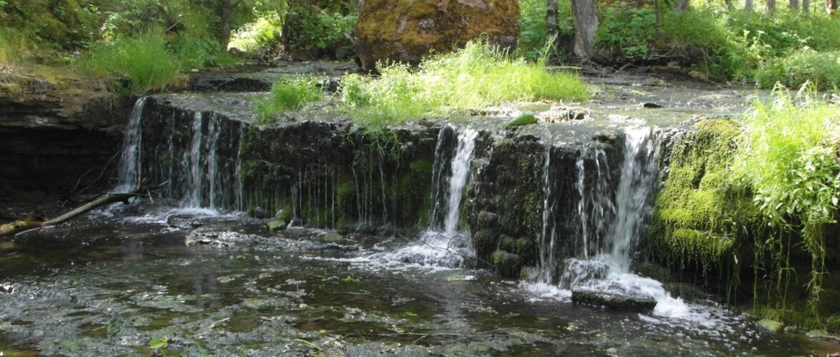 ФОТО читателя Delfi: А вы видели каскадный водопад Алуоя?
