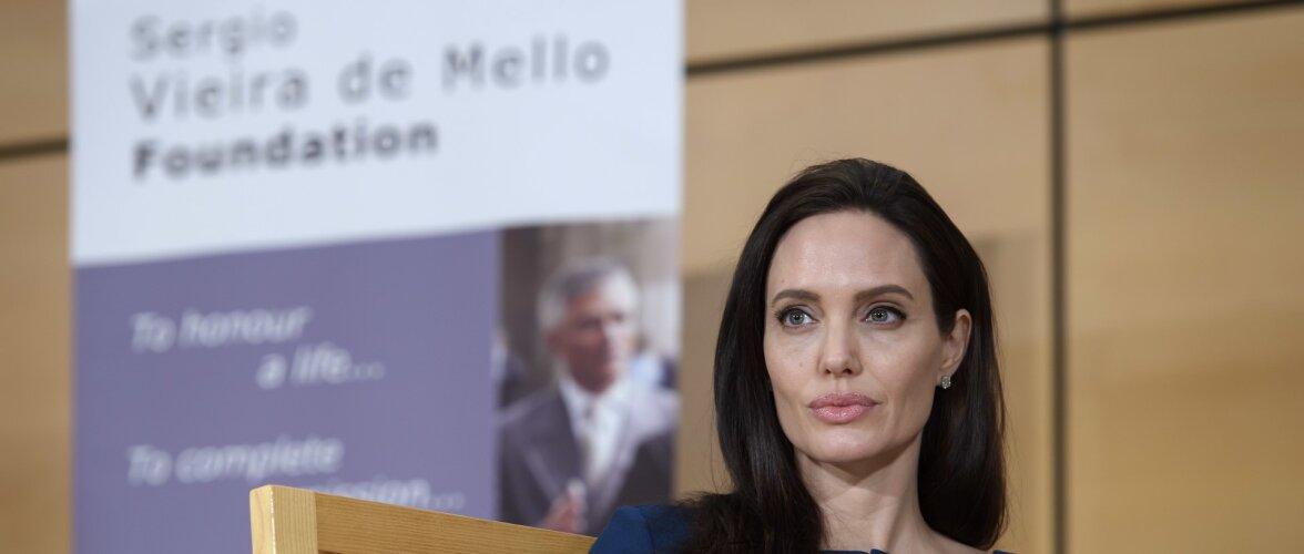 Angelina Jolie on laste julma kohtlemise tõttu kriitika all