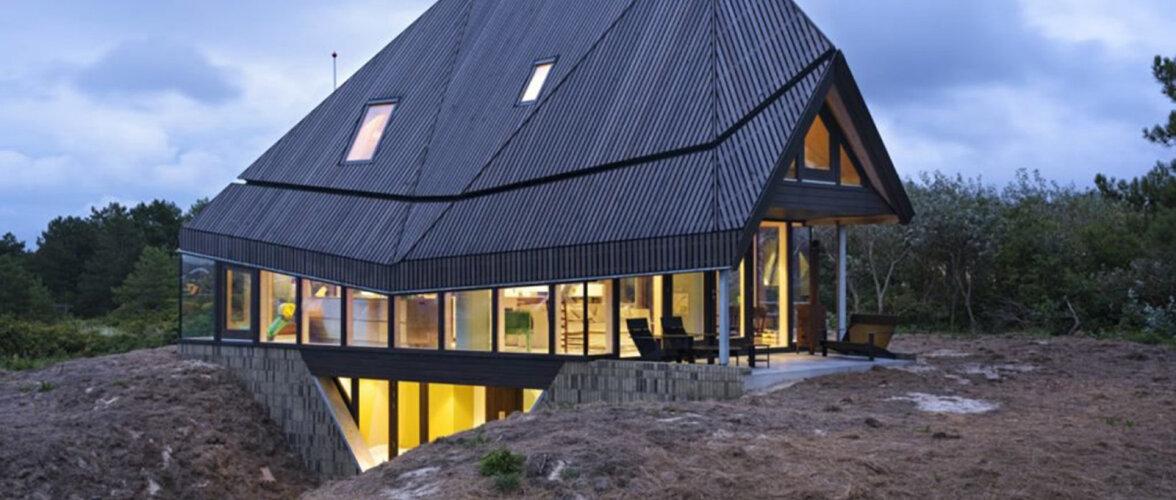 VIDEO   Moodne, valgusküllane ja täiesti ebatavaline - puitmaja, mille püstitamiseks kulus vaid kaks päeva