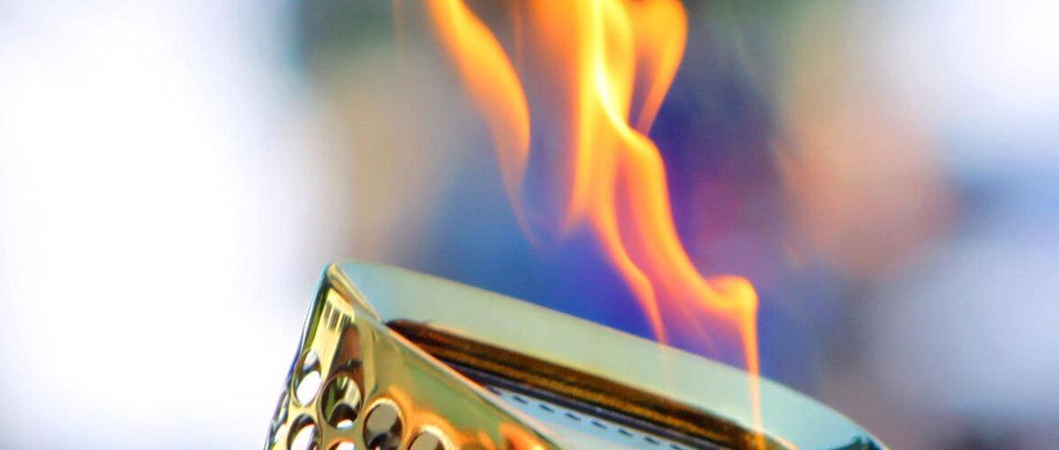"""В Японии погас """"вечный"""" олимпийский огонь, горевший с 1964 года"""