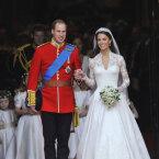 Kuninglik kleidiskandaal: Alexander McQueeni moemaja kaevati hertsoginna Catherine'i pruutkleidi pärast kohtusse